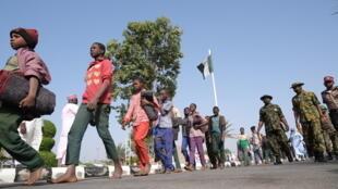 Les jeunes étudiants libérés à Kankara, le 18 décembre 2021.