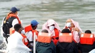 Migrants à Douvres, dans le sud de l'Angleterre, le 11 août 2020.