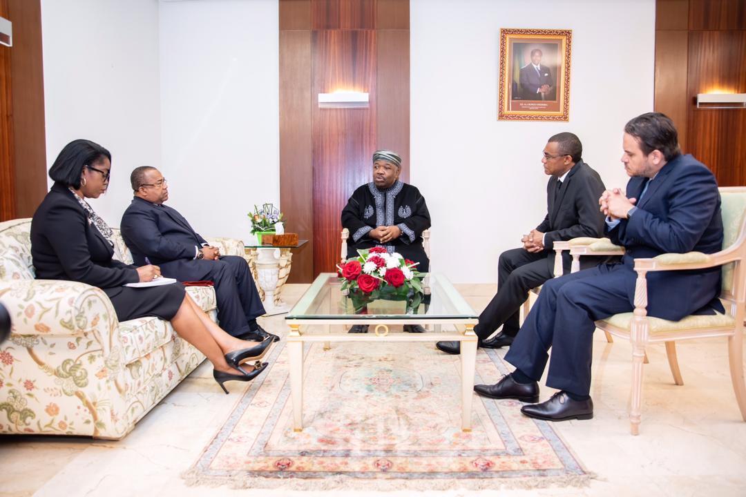 Rose Christiane Ossouka Raponda, ministre de la Défense gabonaise, a prêté serment à l'ambassade du Gabon au Maroc, devant le président Ali Bongo, qui y est en convalescence.