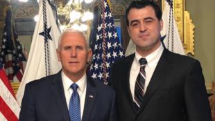 احمد باطبی، روزنامهنگار و فعال سیاسی ایرانی، چهارشنبه ۶فوریه/۱۷ بهمن خبر داد که با مایک پنس، معاون رئیس جمهوری آمریکا، ملاقات کرده است.