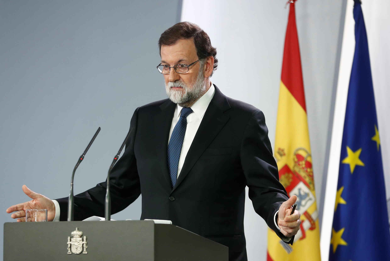 Премьер-министр Испании Мариано Рахой на пресс-конференции после чрезвычайного заседания правительства, 21 октября 2017 года, Мадрид.