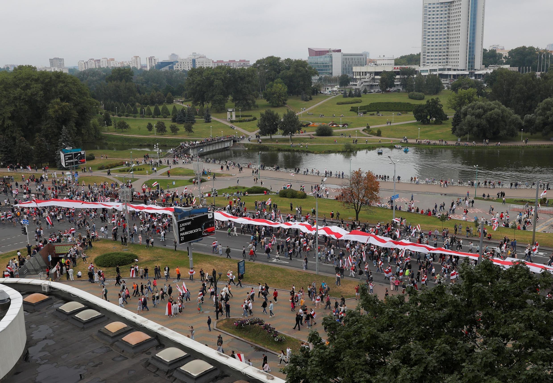 Manifestation de l'opposition pour protester contre les résultats de l'élection présidentielle, à Minsk, Biélorussie, le 23 août 2020.