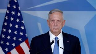 Le secrétaire américain à la Défense James Mattis en conférence de presse en marge d'une réunion des ministres de la Défense de l'Otan, mercredi 15 février.