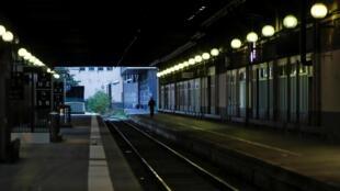 Nhà ga Gare de Lyon ở Paris (Pháp) hoàn toàn vắng vẻ ngày 22/12/2019 vì cuộc đình công của ngành chuyên chở công cộng Pháp.