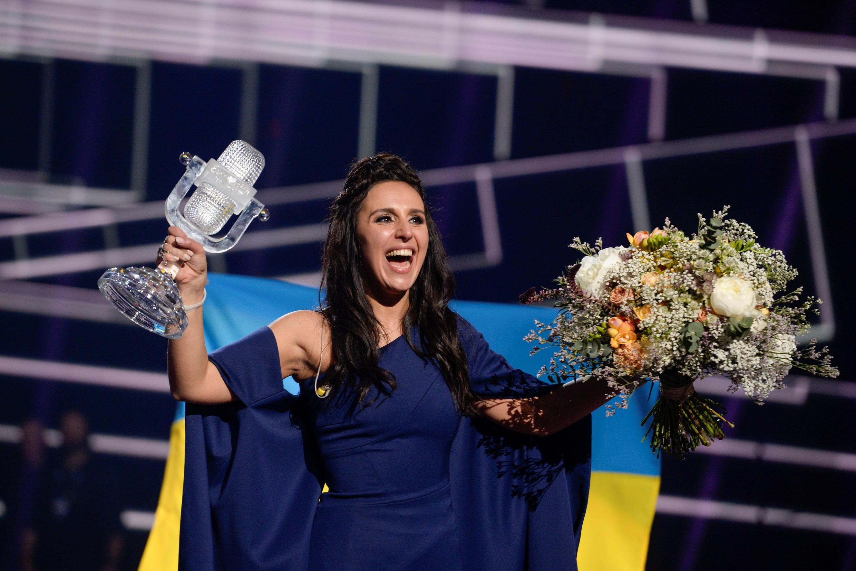 """ترانه گروه اوکراینی با نام ۱۹۴۴ با اجرای """"جامالا"""" با اقبال روبرو شد و جایزه ترانه برتر این دور از مسابقات را کسب کرد."""