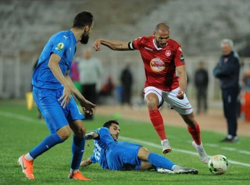 Yassine Chikhaoui (rouge) buteur décisif pour l'Étoile sportive du Sahel face à Al Ahly. (Illustration).