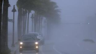 Tempestade Eta deixa Cuba e se fortalece novamente em direção à Flórida