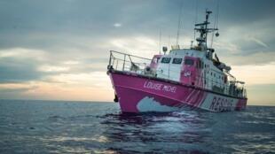 El 'Louise Michel' barco afletado por Banksy para rescatar a los migrantes en el Mediterráneo le 25 août 2020.