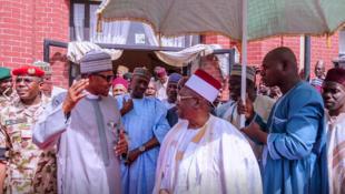 Shugaban Najeriya Muhammadu Buhari bayan isarsa Maiduguri don jajantawa al'umma game da harin Auno da Boko Haram ta kashe mutane fiye da 30 baya ga kone motoci da tarin dukiya.