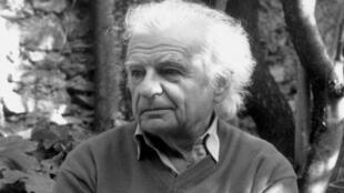 ایو بون فوا، شاعر، مترجم و منتقد ادبی فرانسه در پاریس درگذشت. Yves Bonnefoy