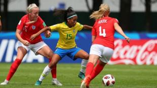 Seleção de futebol feminino sub20 briga para se classificar na Copa do Mundo