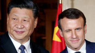 Shugaban Faransa Emmanuel Macron ta takwaransa na China Xi Jinping yayin wata ganawa a Faransa a watan Maris 2019