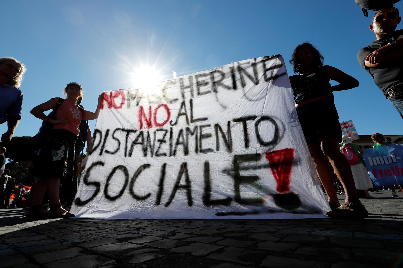 2020-09-05T144535Z_1191783043_RC2ESI9NPVCP_RTRMADP_3_HEALTH-CORONAVIRUS-ITALY-PROTEST
