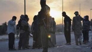 Combatientes del grupo Estado Islámico en el norte de Irak, en junio de 2014.