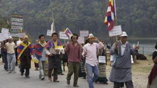 Người Tây Tạng biểu tình phản đối tại Pokhara, Nepal (03/2008 )