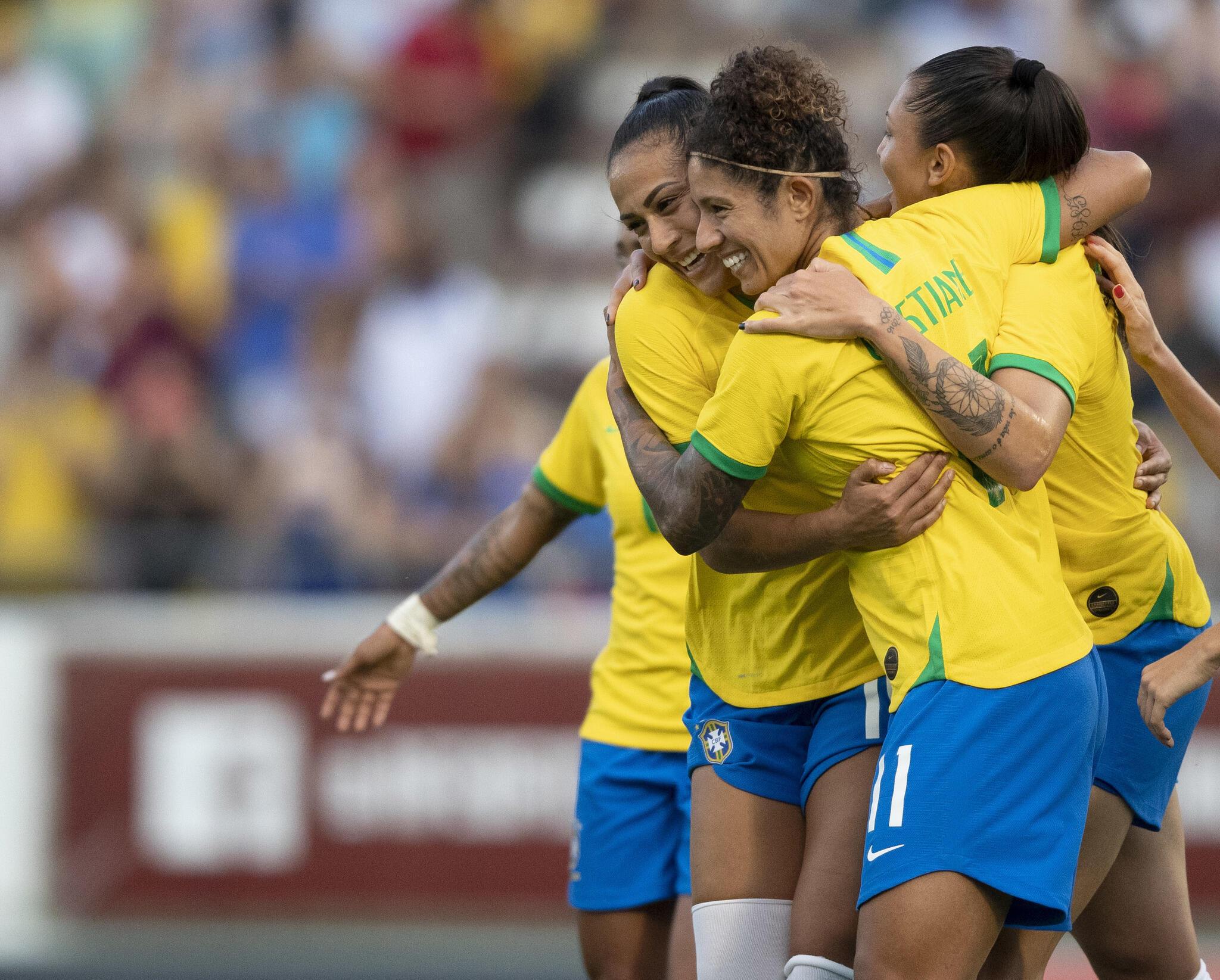 A seleção brasileira feminina de futebol ocupa atualmente o 9° lugar do ranking da Fifa.