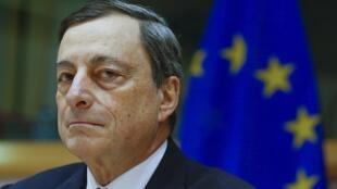 Mario Draghi, presidente do Banco Central Europeu, reagiur às críticas da Alemanha sobre a política econômica do BCE.
