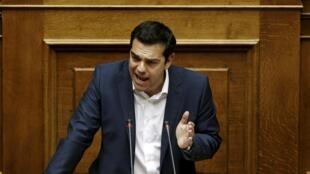 Thủ tướng Alexis Tsipras trước Quốc hội Hy Lạp ngày 5/6/2015.