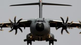 L'A400M, appareil de transport militaire fabriqué par le constructeur européen Airbus.