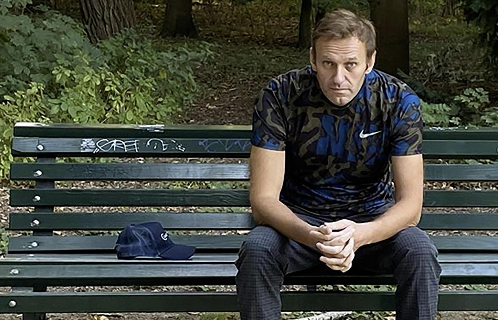 Алексей Навальный после отравления в Берлине, сентябрь 2020.