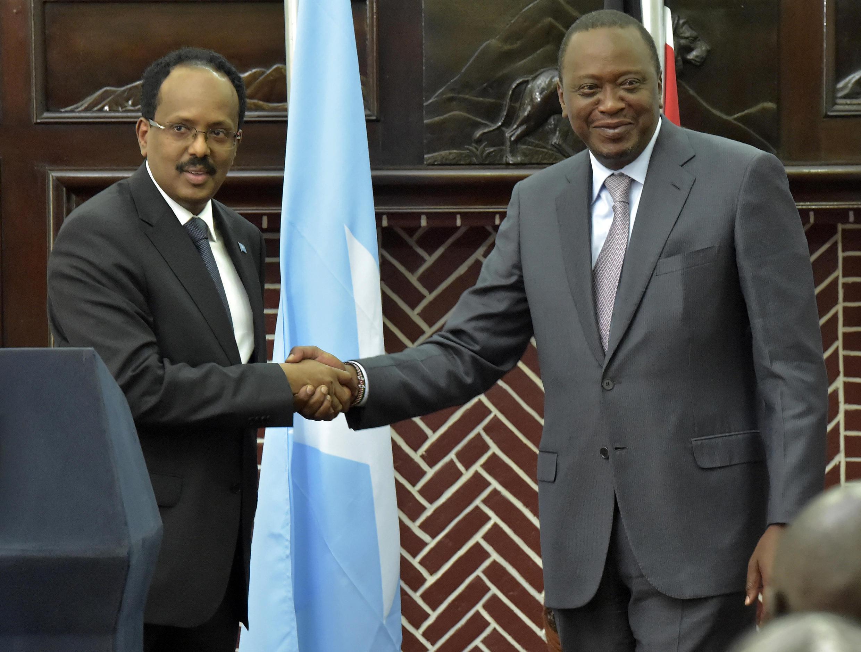 Rais wa Somalia Mohamed Abdullahi Farmajo akutanakwa mazungumzo na mwenzake wa Kenya Uhuru Kenyatta jijini Nairobi Machi 23, 2017.