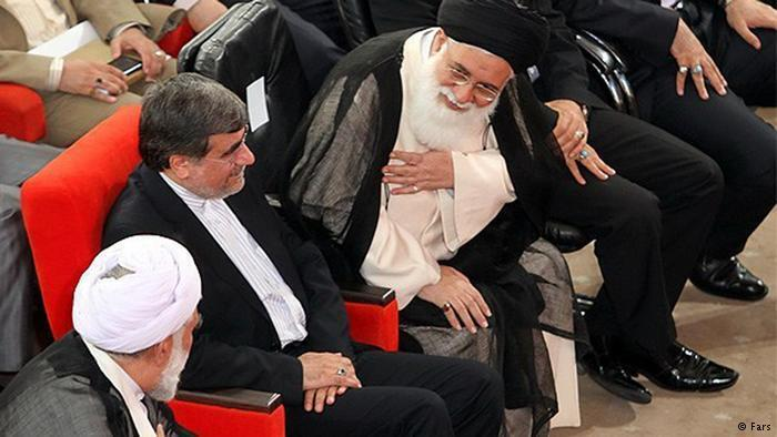 امام جمعه مشهد در کنار وزیر ارشاد
