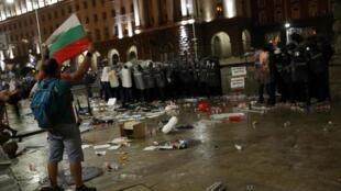 Des violences entre manifestants et forces de l'ordre ont éclaté à Sofia, le 2 septembre 2020.
