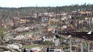 Entre os estados mais afetados Alabama foi o que mais sofreu e já registrou 128 mortos, além de mais 300 feridos.