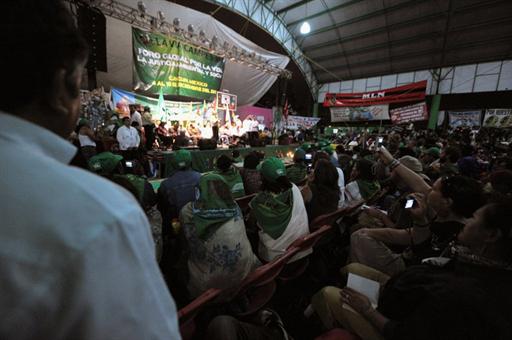 Shugaban kasar Bolivia Evo Morales na wani karamin taro, a Cancun na kasar Mexico