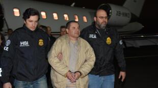 """El Chapo"" chega a Nova York após ser extraditado do México."