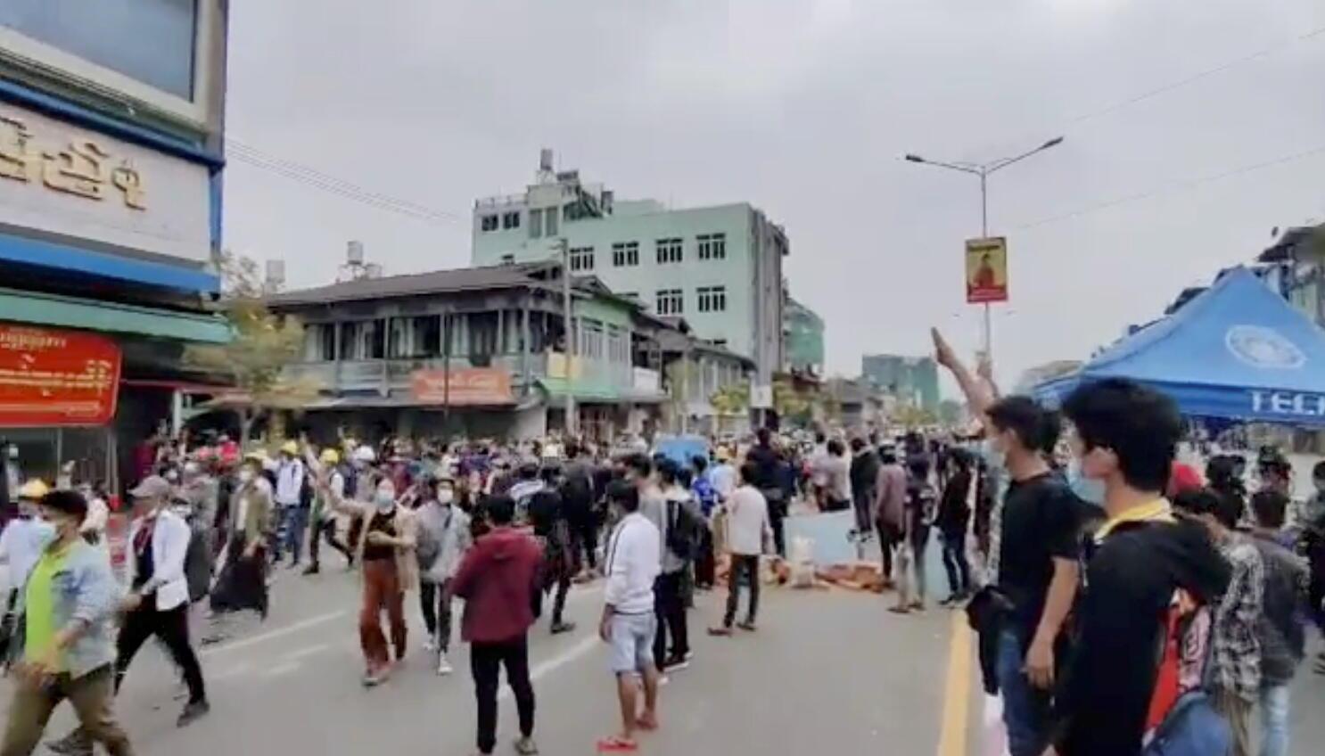 Birmanie - Myitkyina - Manifestations 2021-03-08T081840Z_1901244107_RC2W6M9B4PUH_RTRMADP_3_MYANMAR-POLITICS