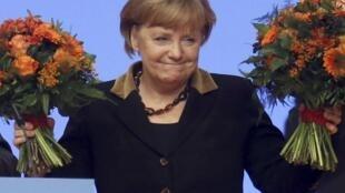 Angela Merkel doit faire face aux conservateurs de son propre parti, la CDU, sur la question migratoire notamment.