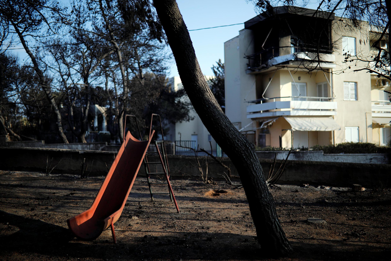 A localidade de Mati, perto de Atenas, a seguir ao incêndio, ontem no 25 de Julho de 2018.