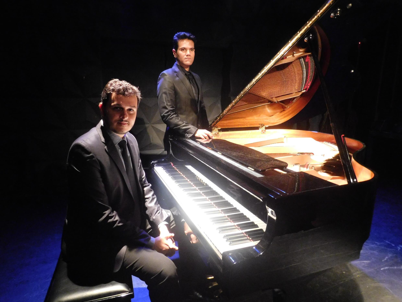 O tenor Alberto Pacheco e o pianista, Silas Barbosa