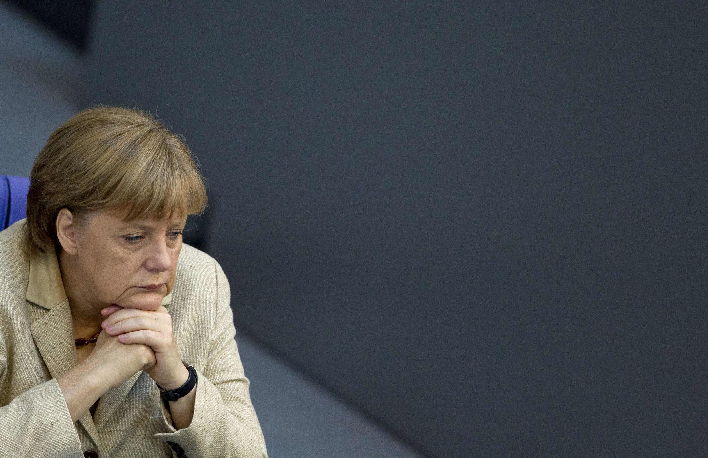 La défaite de la CDU dans le land de Rhénanie-du-Nord-Westphalie accentue la pression sur le gouvernement Merkel à l'échelon national et européen.