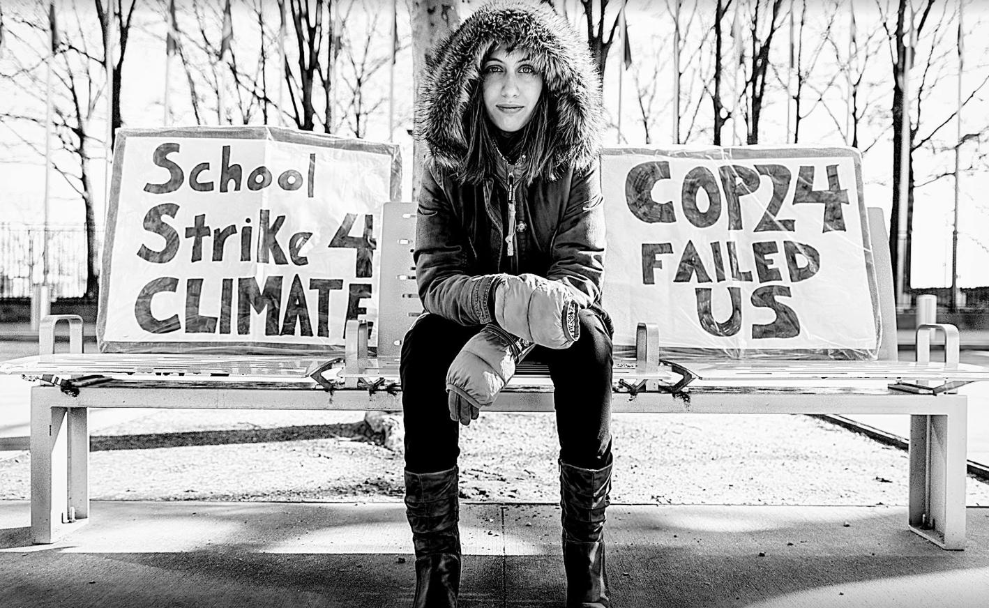 Alexandria Villasenor. Sur les pancartes de la jeune égérie américaine: «école en grève pour le climat» et «la COP24 nous a bernés».
