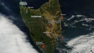 A queda das temperaturas enfraqueceu os incêndios que já consumiram milhares de hectares no sudeste da Austrália, mas a meteorologia prevê uma nova onda de calor no final da semana.