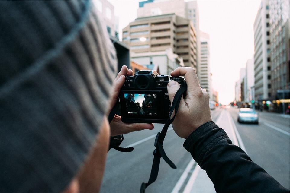 Image d'illustration : un photographe de rue.