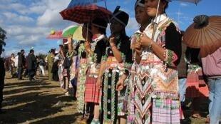 Đám cưới của người Hmong (Ảnh :Oliver Spalt / en.wikipedia.org)