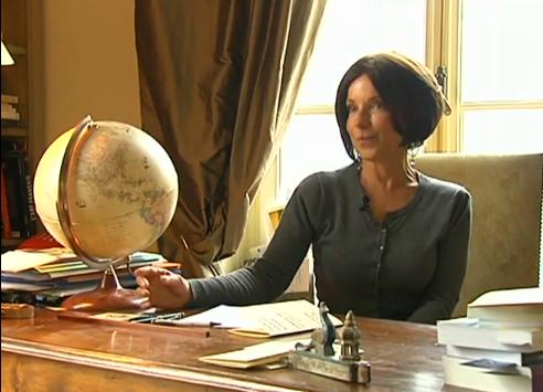 Geneviève d'Angenstein, head of French school of courtesy