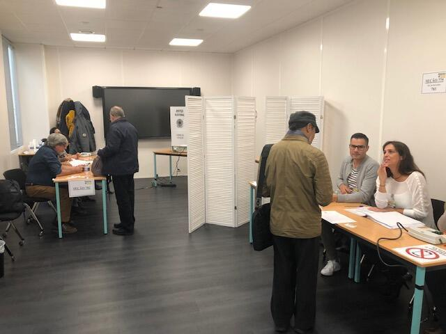 Brasileiros residentes na França votaram nas seções eleitorais instaladas em Paris neste domingo, 28 de outubro de 2018.