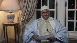 Dans une vidéo, l'ex-président sénégalais a appelé les Sénégalais à s'opposer pacifiquement à la tenue le 24 février de l'élection présidentielle.