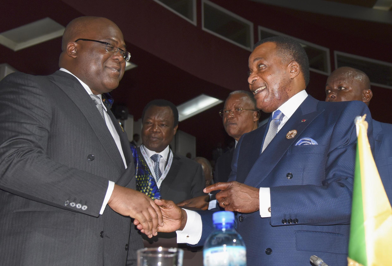 Le président de RDC, Félix Tshisekedi (G), et son homologue du Congo-Brazzaville, Denis Sassou-Nguesso, à l'ouverture du sommet de l'Union africaine, le 7 juillet 2019. (Image d'illustration)
