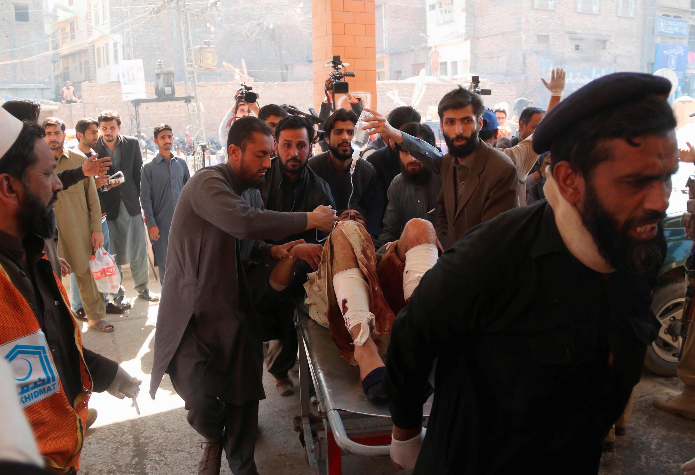 巴基斯坦西北部一家法院遭遇自殺式恐襲,7人死亡