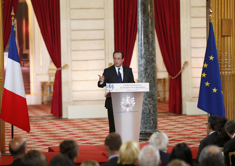 François Hollande durante a coletiva nesta quinta-feira (16) no Palácio do Eliseu.