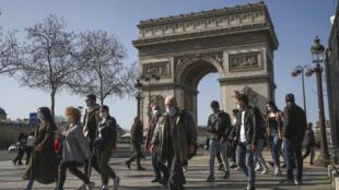 Paris Covid Arco Triumfo