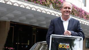 """O escritor britânico William Boyd que diz ter encontrado o endereço onde """"morava"""" James Bond."""