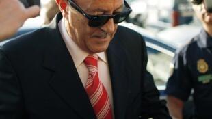 L'ex-maire de Marbella, Julian Munoz, arrivant au palais de justice de Malaga, en Espagne du sud, le 27 septembre 2010.
