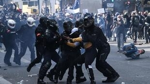 2020-06-13 france paris protest police brutality racism adama traore george floyd