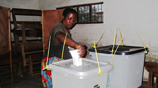 Opération de vote au Burundi.